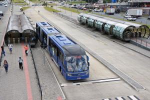 Imagem da Wikipédia - BRT de Curitiba, Brasil.