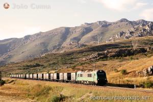 A Comsa é um dos operadores mais importantes de Espanha. Aqui operando um carvoeiro Gijón - Ponferrada.