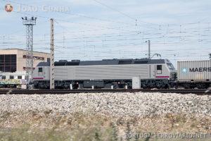 Em Espanha a Renfe já disponibiliza a operadores privados locomotivas diesel 333.3 e elétricas 269 em regime de aluguer.