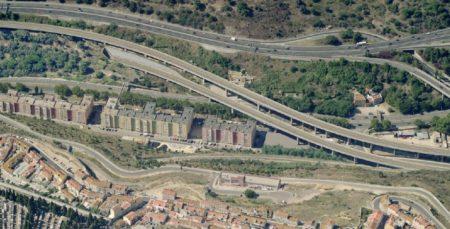 Uma da alternativas de traçado, que faria aparecer a linha de Cintura logo abaixo da linha do Sul, no vale de Alcântara.